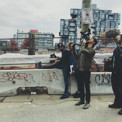 On set in Vancouver directing an episode of Hors Québec, 2019
